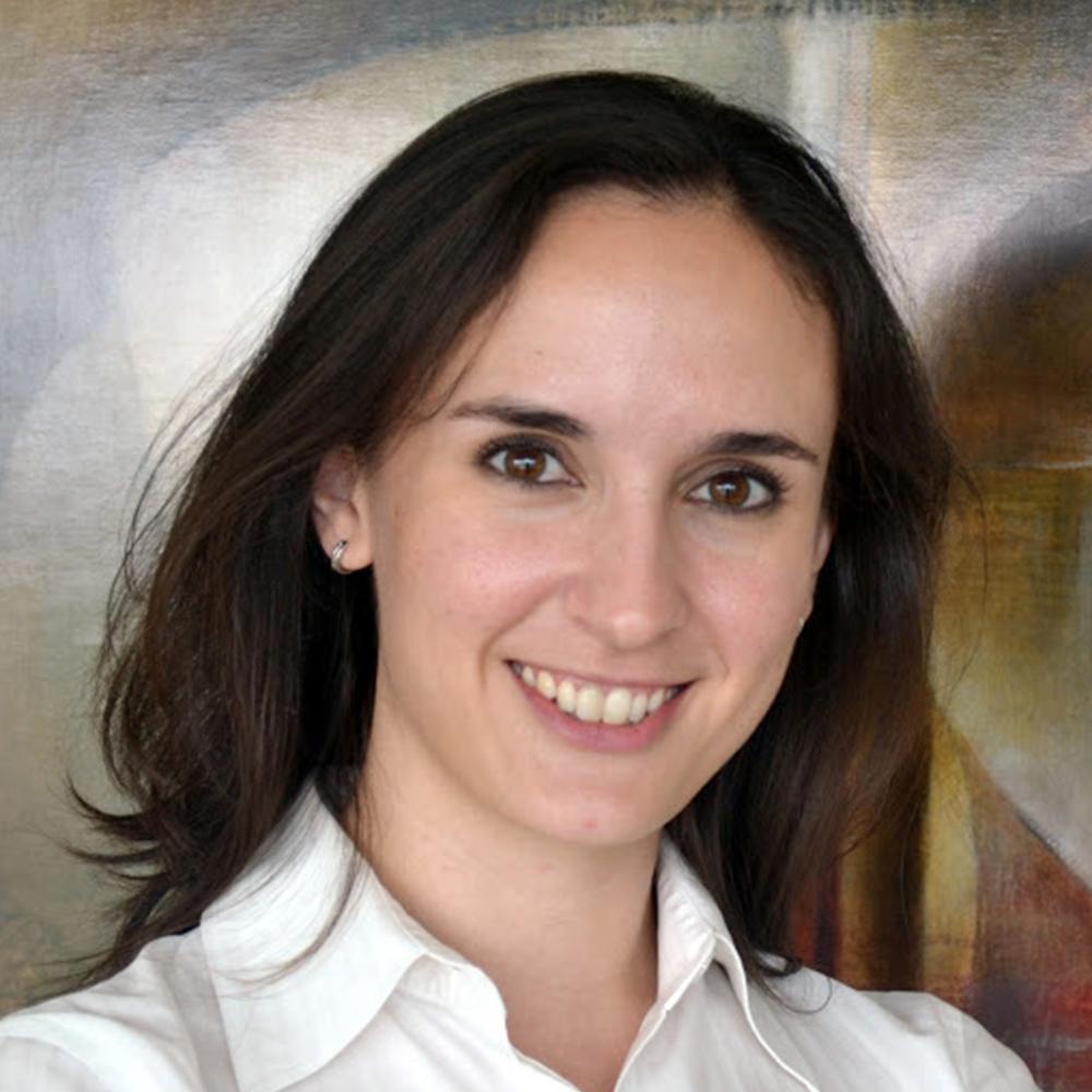 04 – Claudia Romay: Comunica rompiendo silos